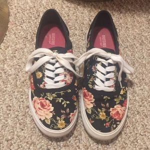 Shoes - Flower Sneakers